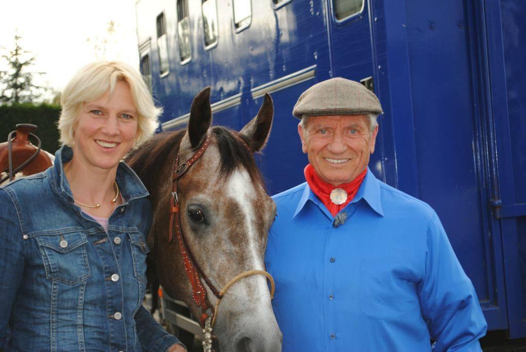 Christiane Schwagrzina mit ihrem Ausbilder Monty Roberts in Californien